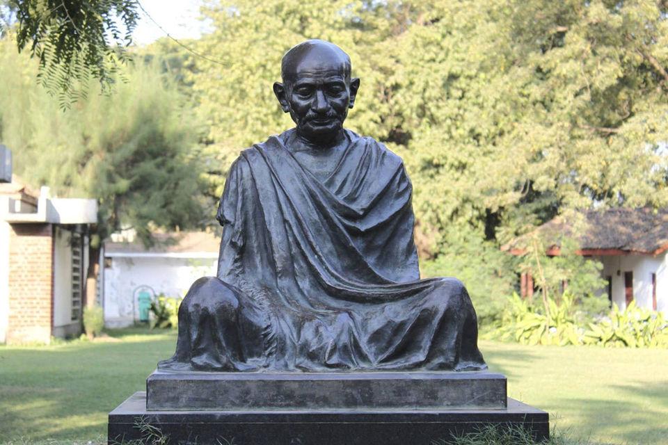 Photos of Gandhi statue at Ahmedabad by Charu Mittal