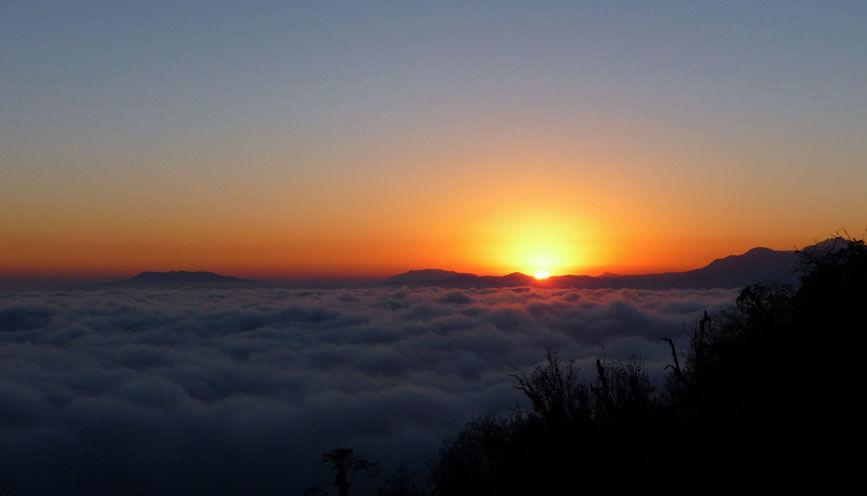 Sunrise at Maenam Hill