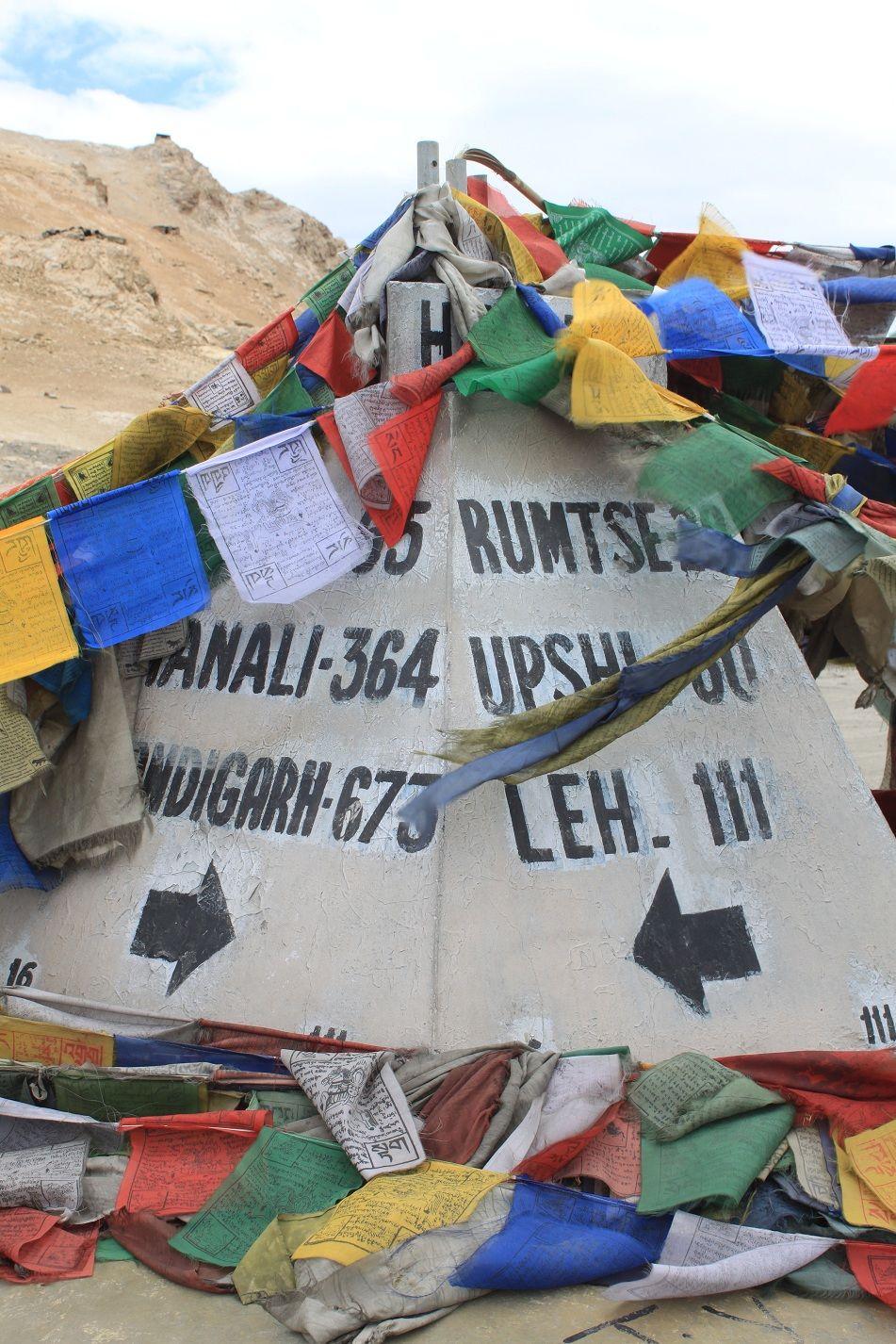Distance post at TaglangLa top