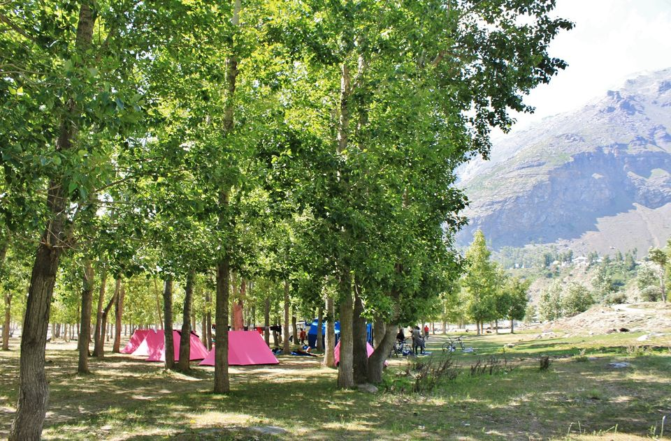 Camping at Sissu by Bagha river
