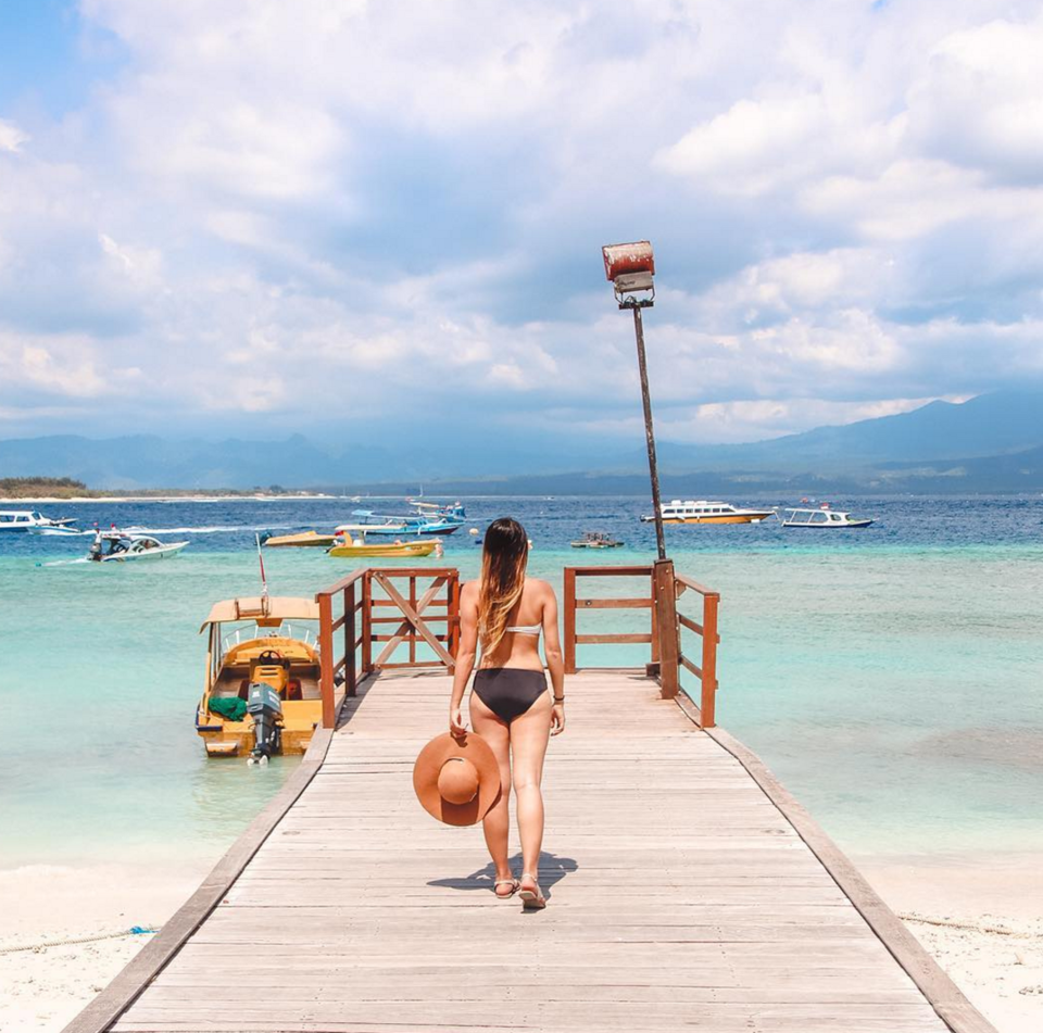 Photos of Let This Filipino Girl Show You How To Travel & Earn a Fortune at the Same Time. 3/5 by Prateek Dham