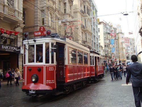 Photos of İstiklal Avenue, İstanbul, Turkey 1/1 by Ruchika Makhija