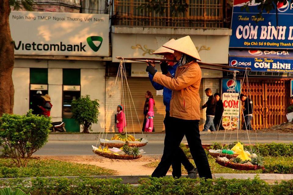 Photos of Hanoi Vendors by Arundhati Sridhar