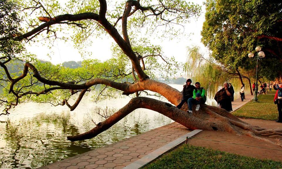 Photos of Haon Kiem Lake, Hanoi by Arundhati Sridhar