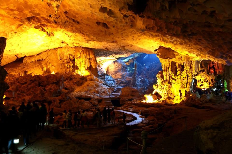 Photos of The awe-inspiring Sung Sot cave in Halong by Arundhati Sridhar
