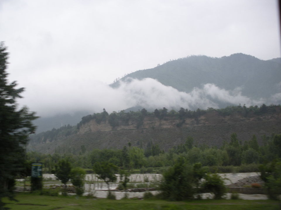 essay on kashmir paradise on earth