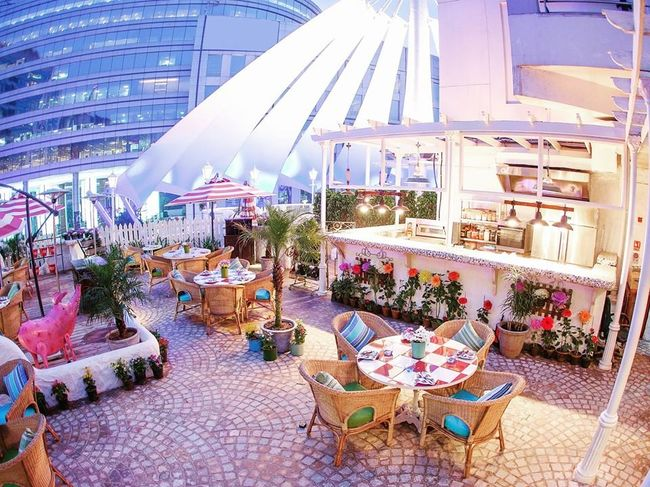 10 Restaurants In Delhi and Their Must-Try Signature Dishes
