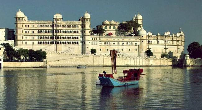 10 Five-Star Hotels Around India That You Can Get For Half The Price!