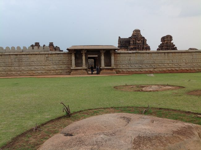 Photos of Hampi - City of Glory 13/16 by Prakash Nadikoti