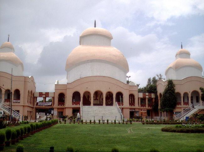 5 Must Visit Temples in Delhi