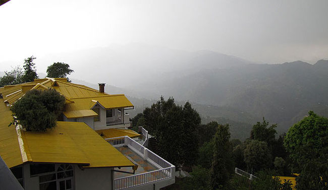 Photos of 5 Amazing Luxury Getaways In Quaint Corners Of India 1/14 by Debarati Dasgupta