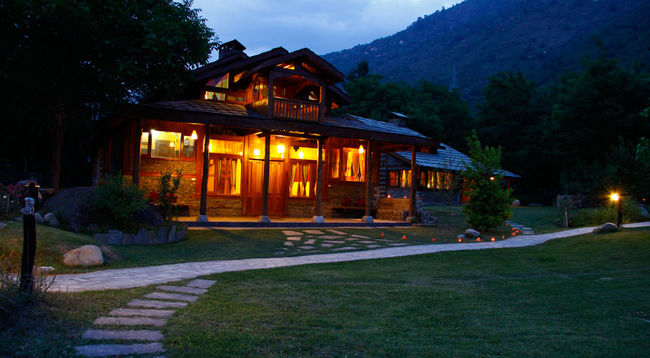 Photos of 5 Amazing Luxury Getaways In Quaint Corners Of India 12/14 by Debarati Dasgupta