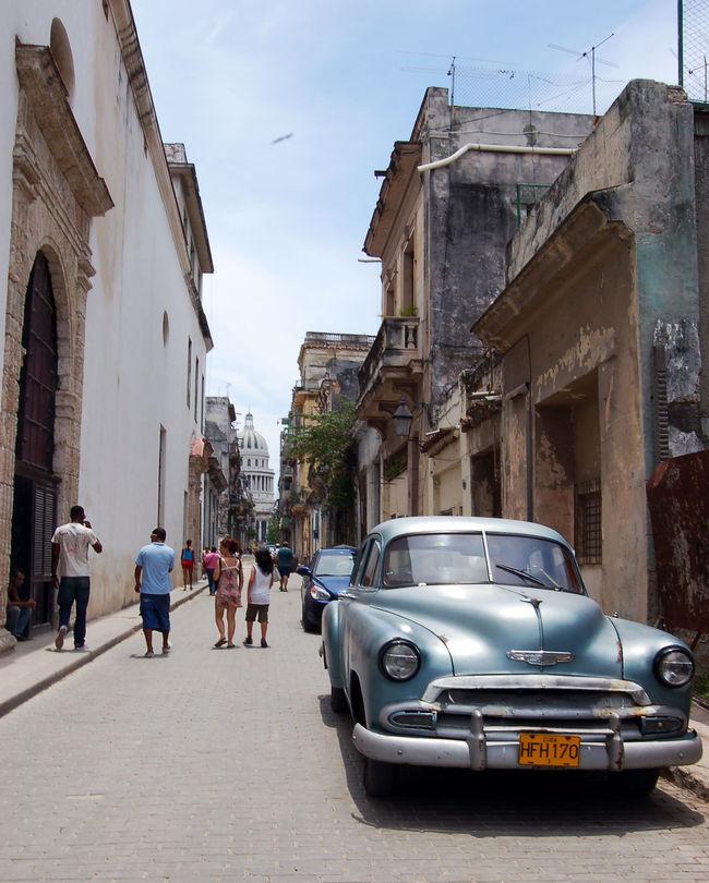 Around the streets of Habana Vieja, Cuba