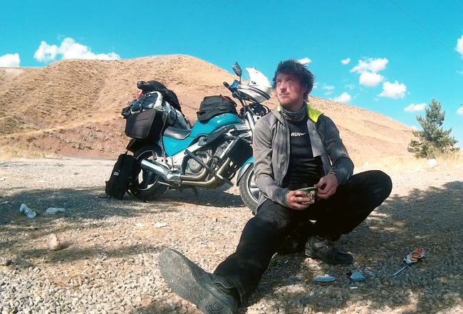 The Story Of This Boy's Solo Bike Trip From Netherlands To Mumbai Will Awaken The Adventurer In You