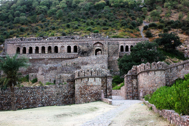 "Photos of The Bhangarh Fort Story: Behind The Mystery Of The Most ""Haunted"" Place In India 1/18 by Tripoto"