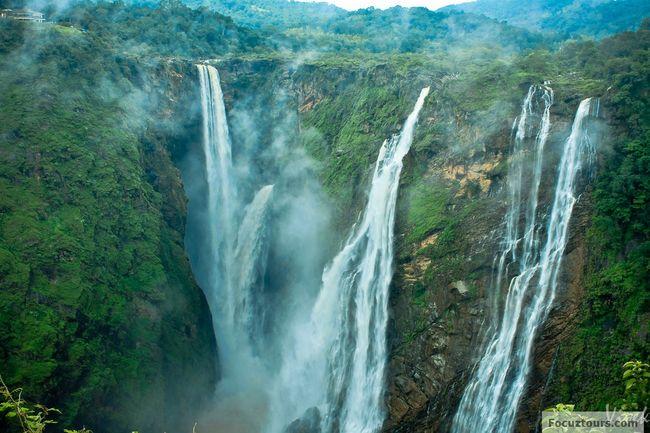 10 Best Waterfalls in Karnataka