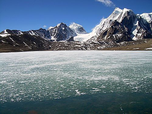 10 High Altitude Lakes In India That Transform Into a Frozen Spectacle