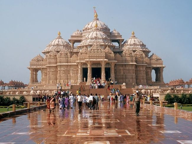Photos of Akshar Dham - (Things you should know about Akshardham) 3/7 by Mayank Pandeyz (with floating shoes)