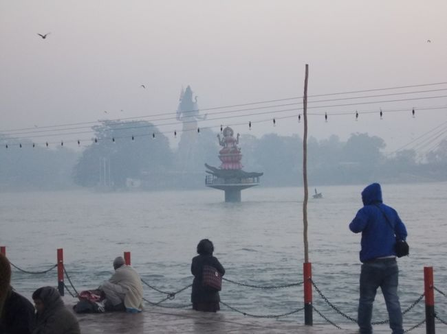 Photos of Gateway to Gods - Haridwar 6/12 by Mayank Pandeyz (with floating shoes)