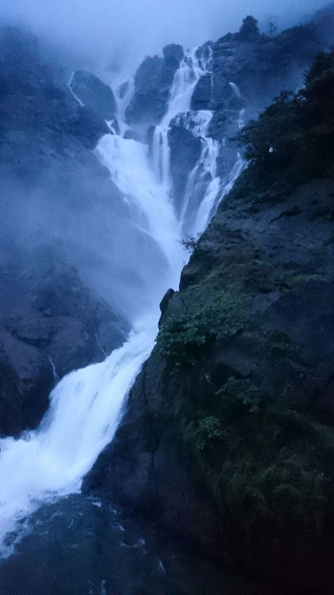 Dudhsagar Waterfalls – The Wild White Beauty