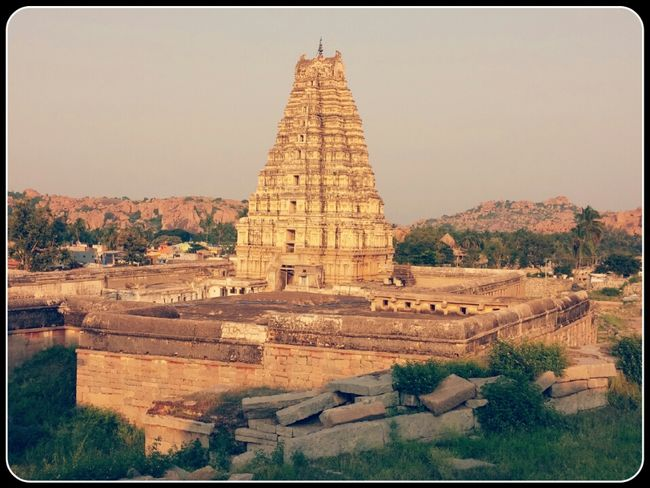 Hampi- A journey through the forlorn ruins of ancient kingdom.