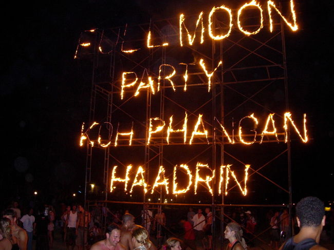 Photos of The full moon party 3/4 by Ruchika Makhija