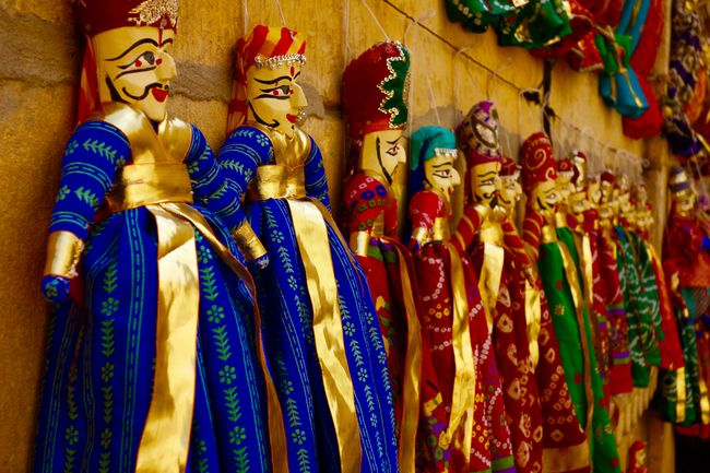 Of Unending Gold and Scintillating Smiles: A Rendezvous with Jaisalmer