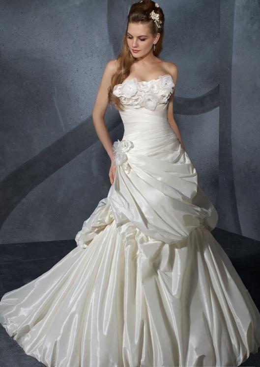 Cheap designer wedding dresses trends about 2017 best for Wedding dress discount warehouse