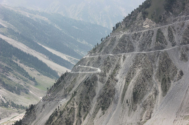 High Mountain Passes In India To Put Your Driving Skills To Test