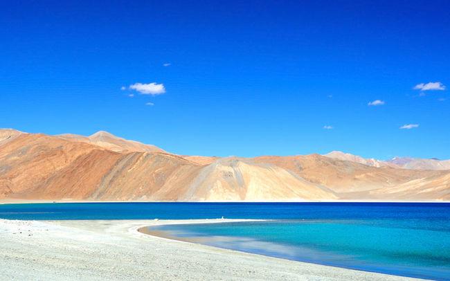 Mesmerizing Blue Lake (Pangong)!!