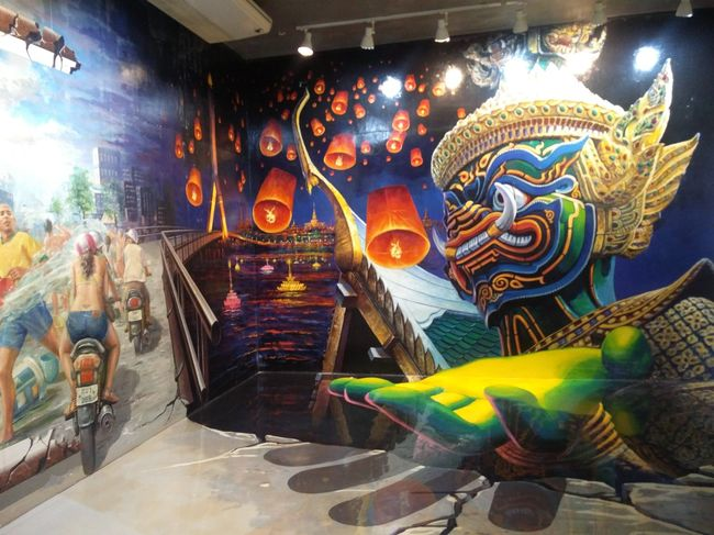 Experience art in Paradise