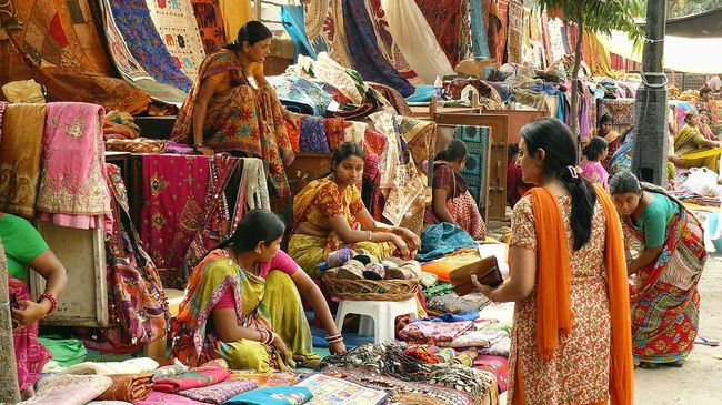 Here Are Top 7 Best Shopping Markets in Delhi For Girls 1