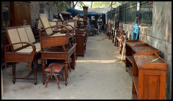 15 wholesale markets in mumbai where to shop for clothes rh tripoto com second hand furniture market in mumbai furniture market in mumbai bhiwandi