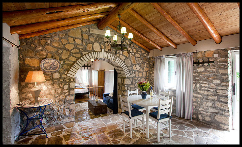 Discover The History & Culture Of Paxos And Its Tranquility !