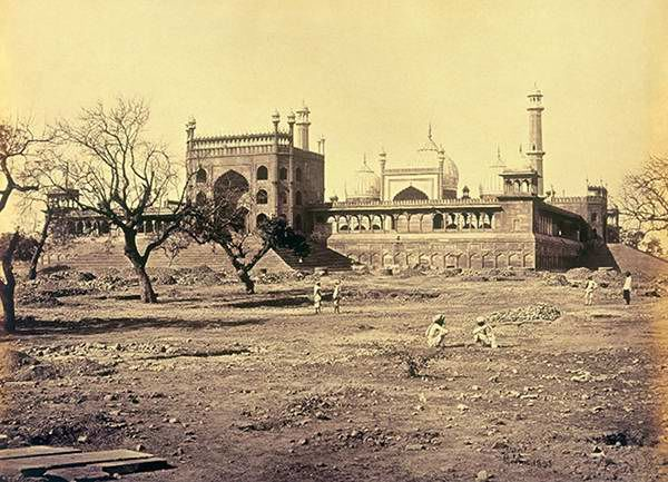 Photo of 16 Old Indian Photos of Most Famous Places Depict How The Country Has Changed In The Last 150 Years 16/16 by Prateek Dham