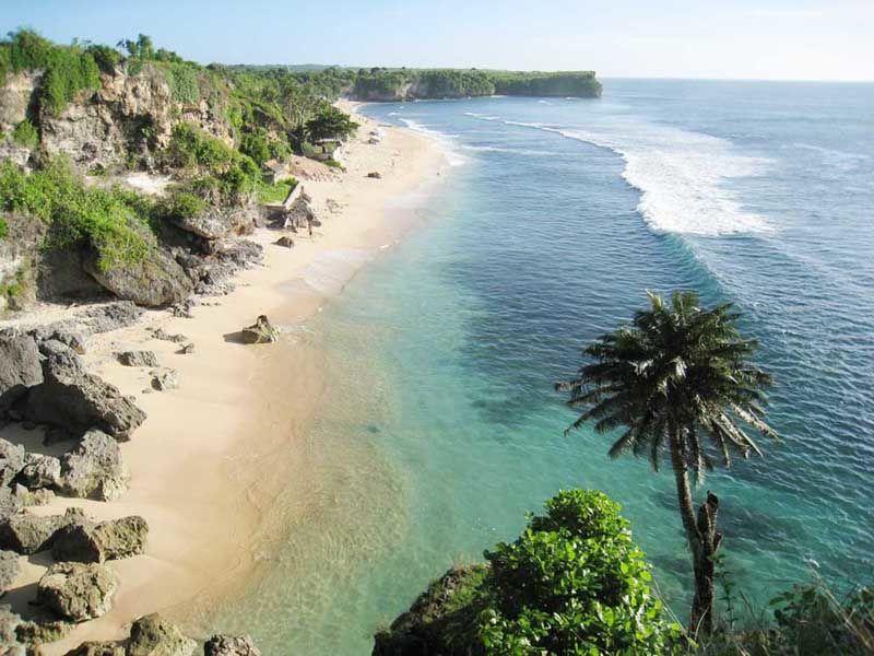 Foto Pantai Balangan, Kabupaten Badung, Bali, Indonesia oleh Arland