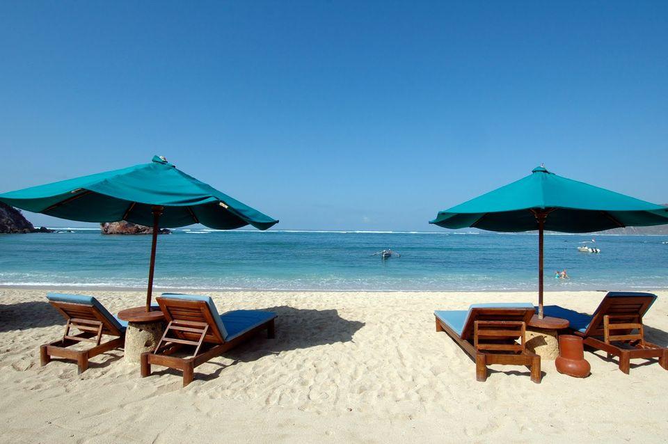 Foto Pantai Kuta, Lombok, Kuta, Kabupaten Lombok Tengah, Nusa Tenggara Barat, Indonesia oleh Arland