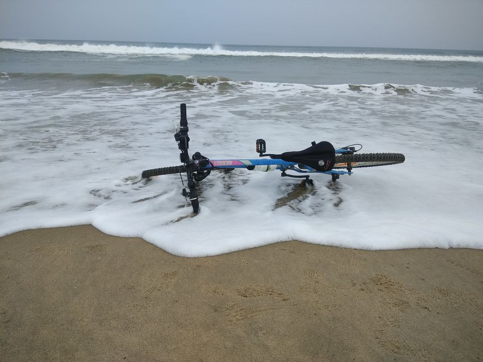 Photos of Solo Cycling on East Coast Road 1/1 by Anil Kumar