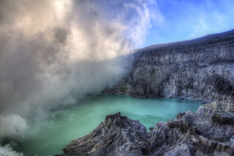 This August, Ditch The Beaches And Head To This Kaleidoscopic Volcanic Lake In Indonesia Instead