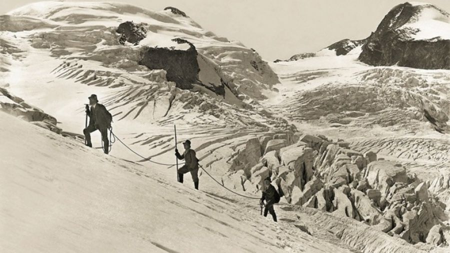high and hallowed everest 1963 streaming