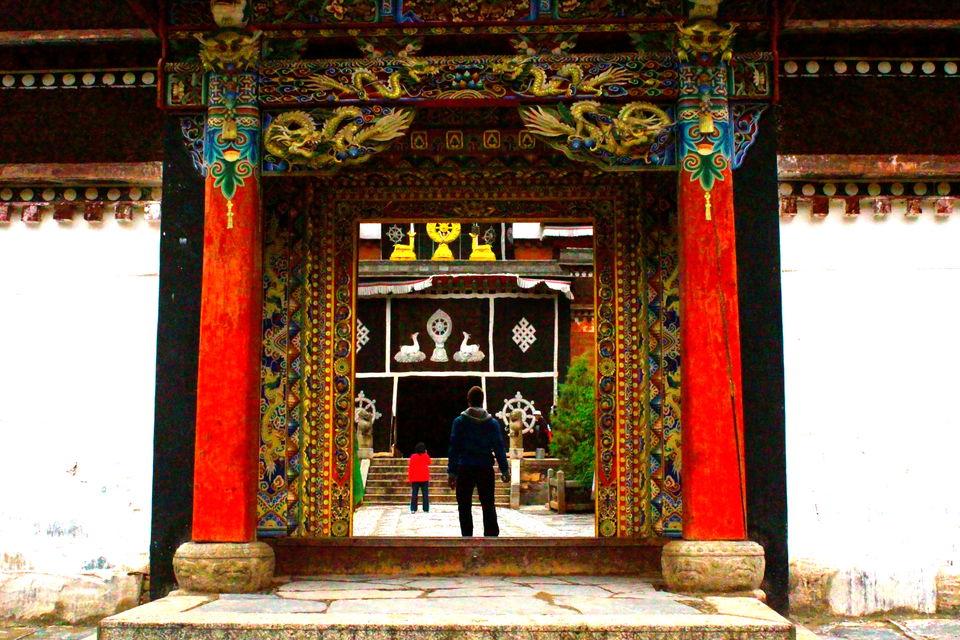 Photos of Labrang Monastery, Xiahe, Gansu Province 1/12 by Mayank Shrivastava
