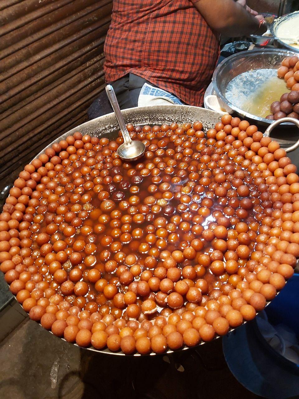 Photo of Sarafa Bazar, Indore, Madhya Pradesh, India by Rufina Shrotri