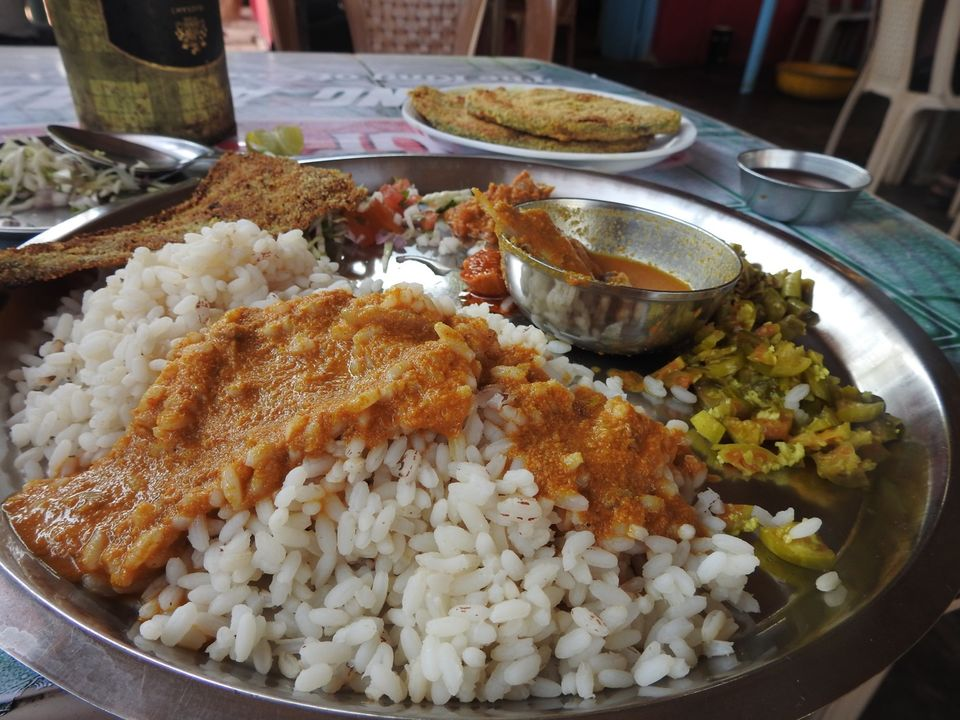 Goa My Favorite Places To Have Fish Curry Rice Fish Thali Tripoto