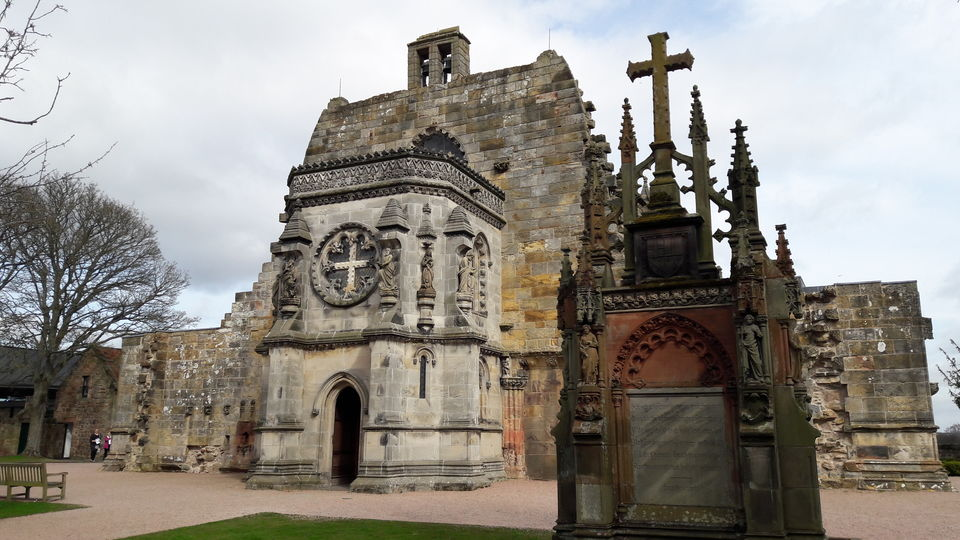 Photos of Rosslyn Chapel from the grounds<br> 1/1 by Shalini Rai