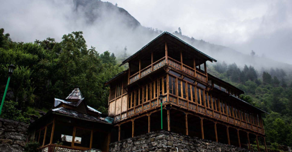 This Bluehouse By The River, Hidden In The Hills Of Himachal Is An Instagrammer's Dream Come True