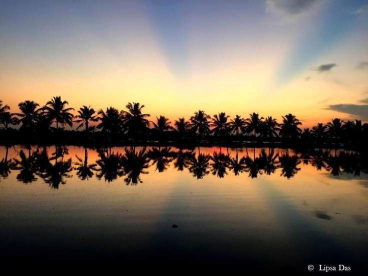 Photos of Kerala Dairies: To mesmerising sunrises & sunsets 1/20 by Lipsa D