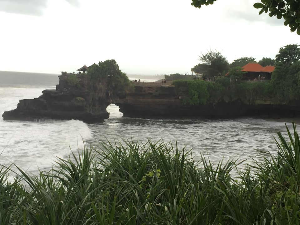 Photo of Tanah Lot Temple, Jalan Tanah Lot, Beraban, Tabanan Regency, Bali, Indonesia by Nikita Mathur