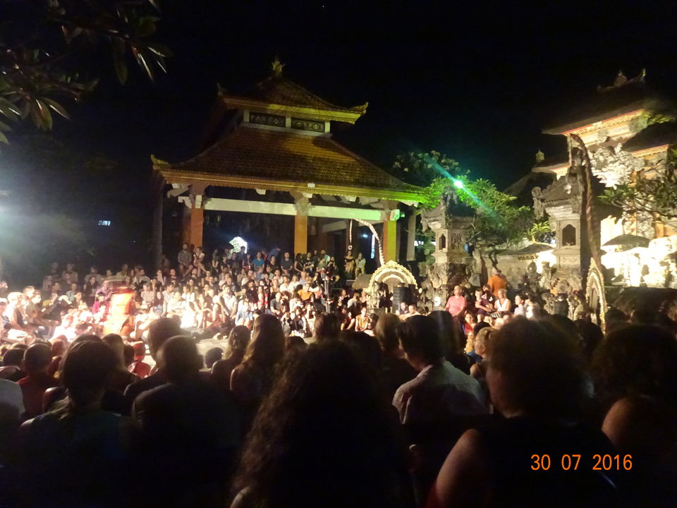 Photo of Kecak Dance Pura Dalem Taman Kaja, Jalan Sri Wedari, Ubud, Gianyar, Bali, Indonesia by Nikita Mathur