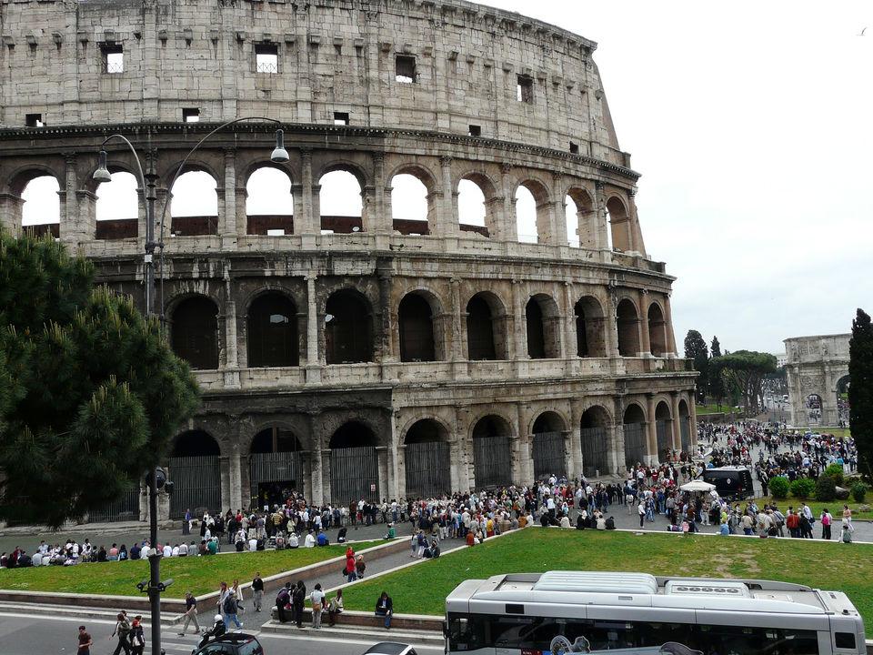 Photos of Colosseum 1/4 by Giuseppe