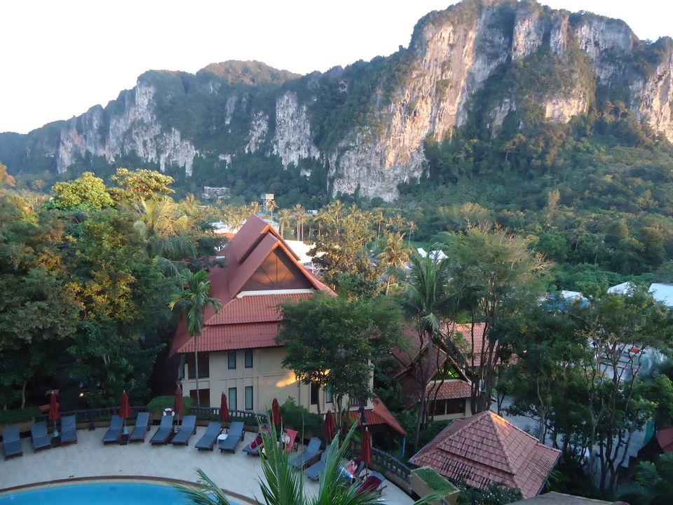 Photo of From Island Hopping To Jungle Trekking To City Wayfaring: My Krabi And Singapore In 7 Days 1/29 by Ipshita